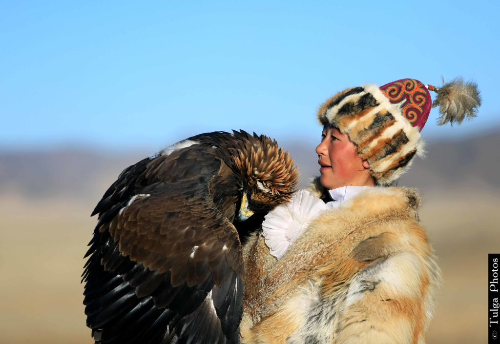 Aynur Golden Eagle huntress