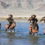 4 eagle hunters