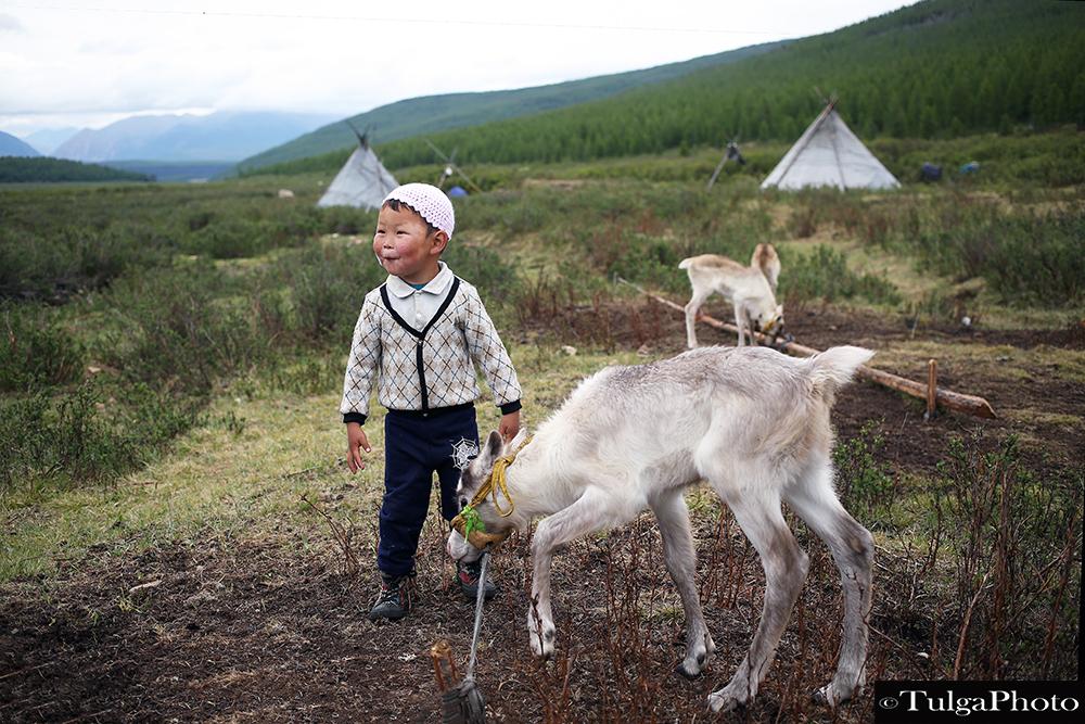 Reindeer herder children8