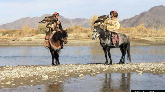 2 eagle hunters2