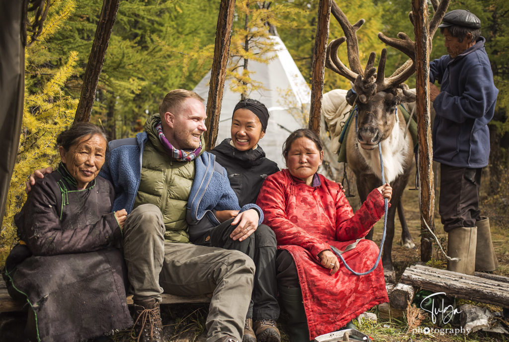 Travellers with Tsaatan reindeer tribe ladies