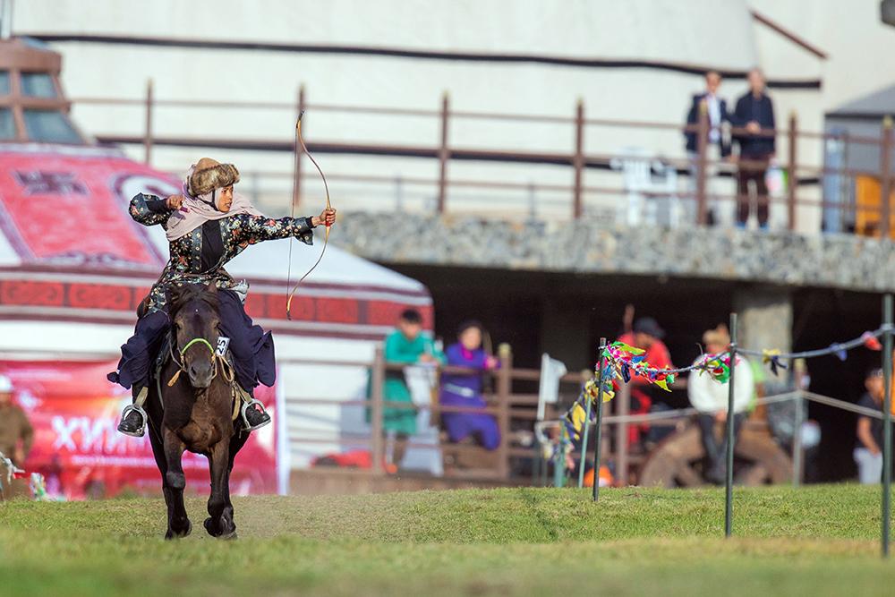 Horse archery participant