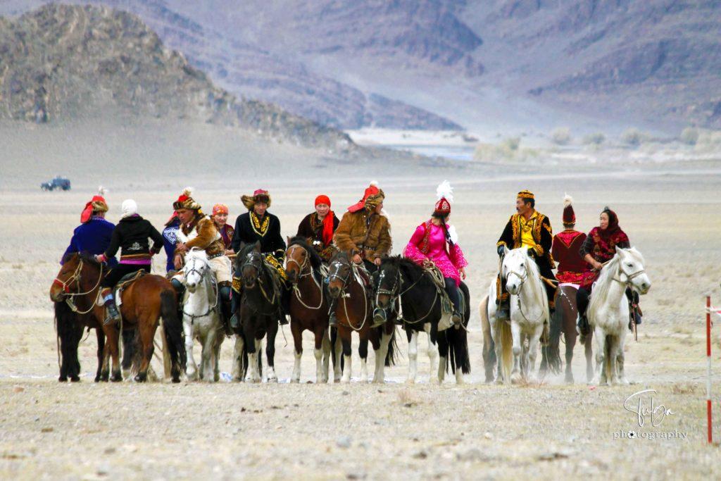 Main Golden eagle festival horseman