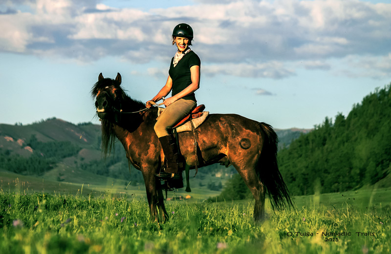 Things-to-do-in-Mongolia-Horse-riding-