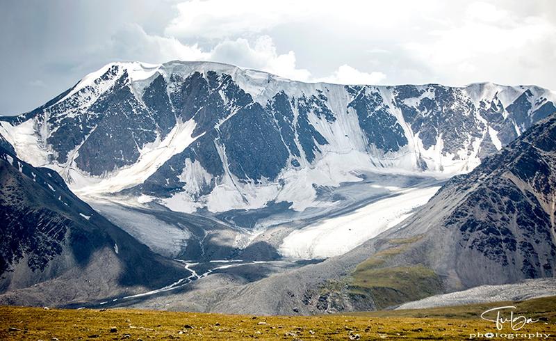 Altai Tavan Bogd Natinal Park glacier