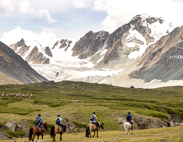 Altai Tavan Bogd National Park horse riding custom tour
