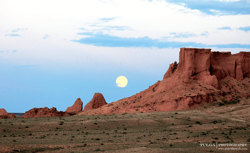 Bayanzag flaming cliffs scenery during evening time   All about the Mongolian Gobi - Nomadic Trails