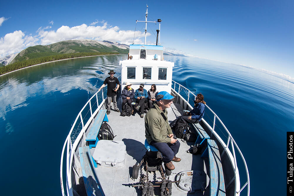 Boat trip | Top 5 Photography Tours Mongolia - Nomadic Trails