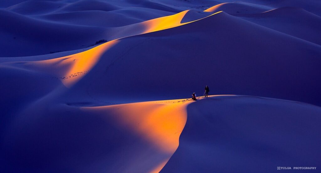 Gobi Tour colorful sand dunes